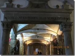 Detalhe do pórtico da capela dos ossos