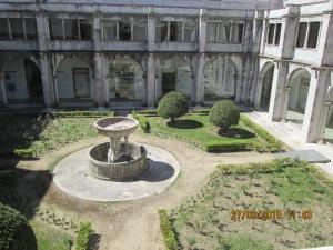Jardim interno do museu