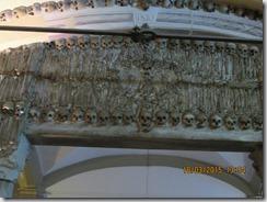 Pórtico da capela dos ossos