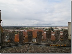 Vista à esquerda da torre da Sé